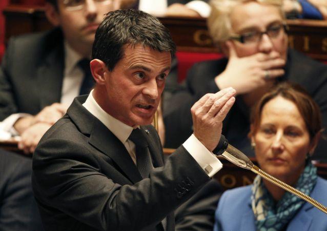 Premier Francji Manuel Valls na posiedzeniu rządu w Zgromadzeniu Narodowym w Paryżu