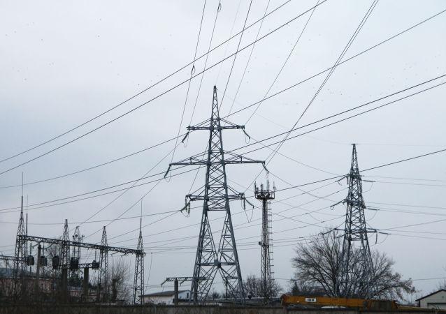 Wyłączone linie wysokiego napięcia w Symferopolu