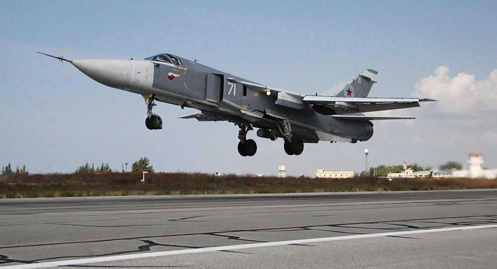 Rosyjskie lotnictwo bojowe w bazie lotniczej Hmeimim w Syrii