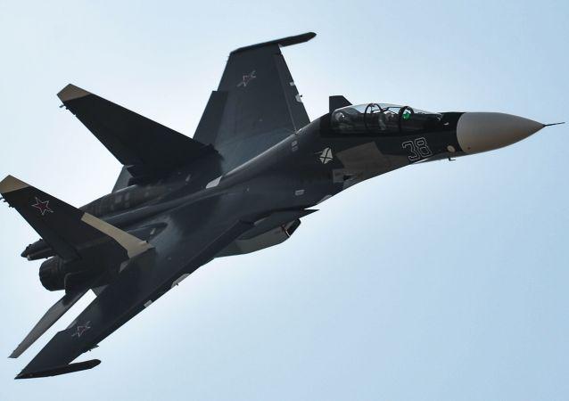 Rosyjski wielozadaniowy samolot bojowy Su-30SM