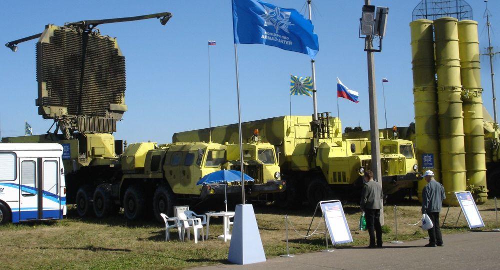 System S-300PMU2 na wystawie sprzętu wojskowego w Żukowskim