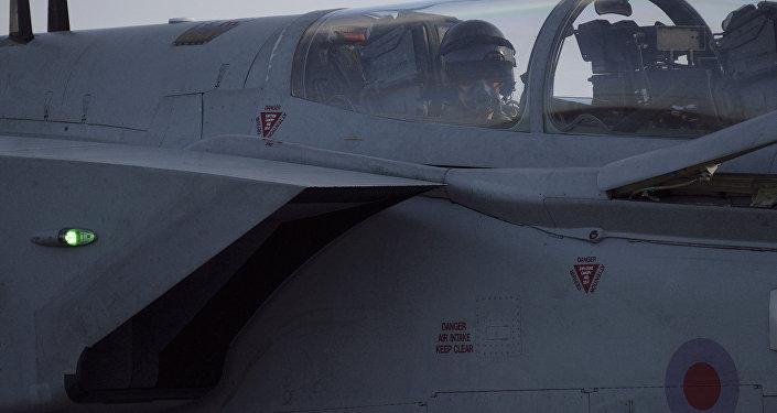 Brytyjskie samoloty Tornado w bazie lotniczej Akrotiri
