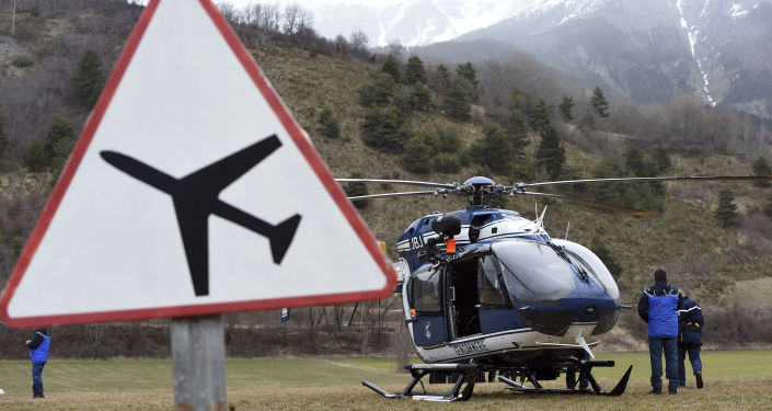 We francuskich Alpach pracuje od 15 do 20 ratowników, śledczy oraz wojskowi.