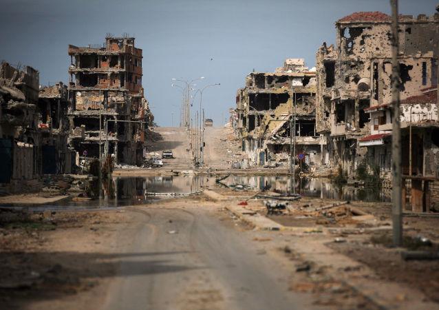 Ruiny domów w Syrcie, Libia