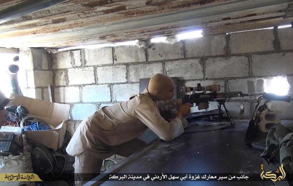 Snajper Daesh w Syrii