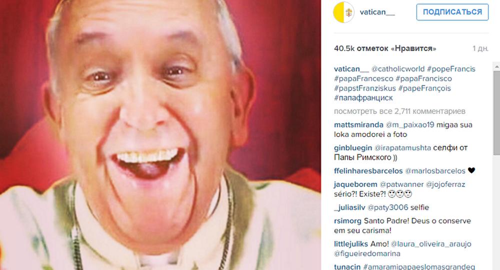 Selfie papieża na Instagramie