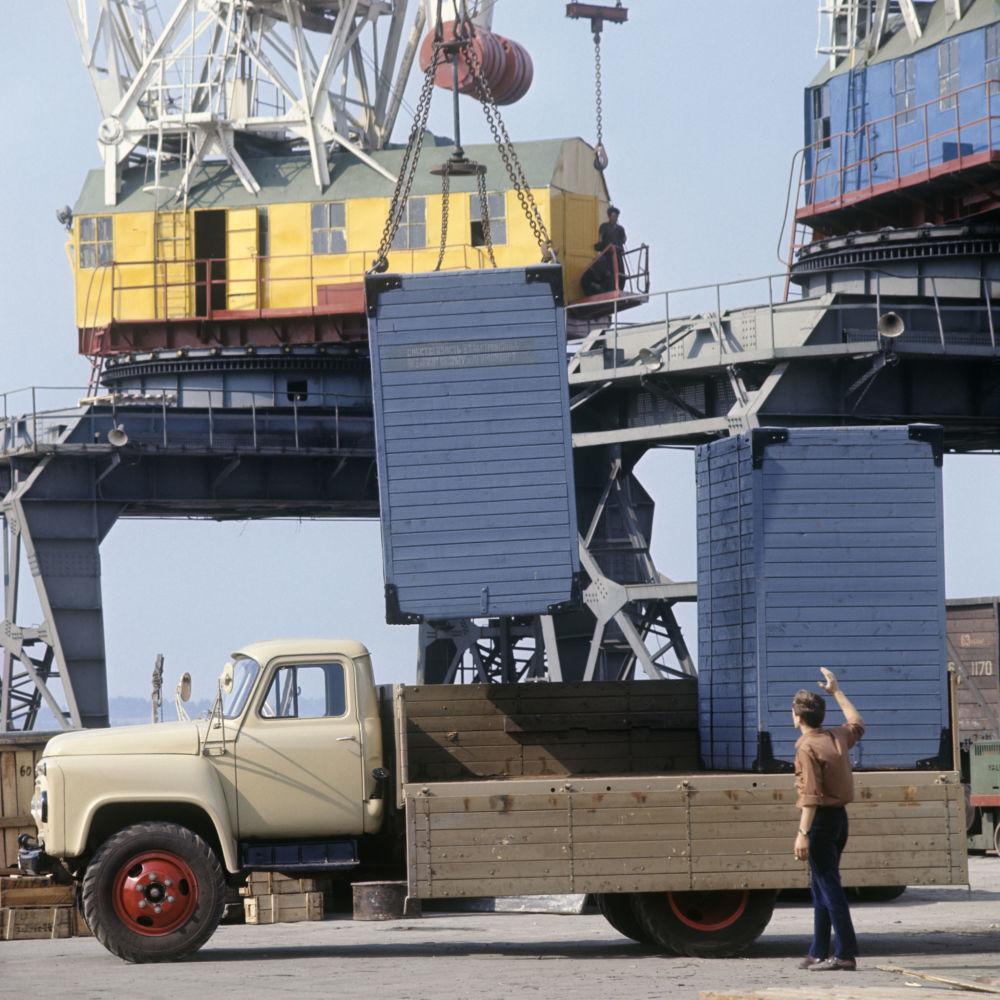 Ciężarówka GAZ-53A w Niżnym Nowogrodzie (zdjęcie archiwalne).