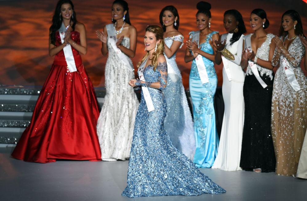 Hiszpanka Mireia Lalaguna Rozo podczas konkursu Miss World 2015 w Chinach.