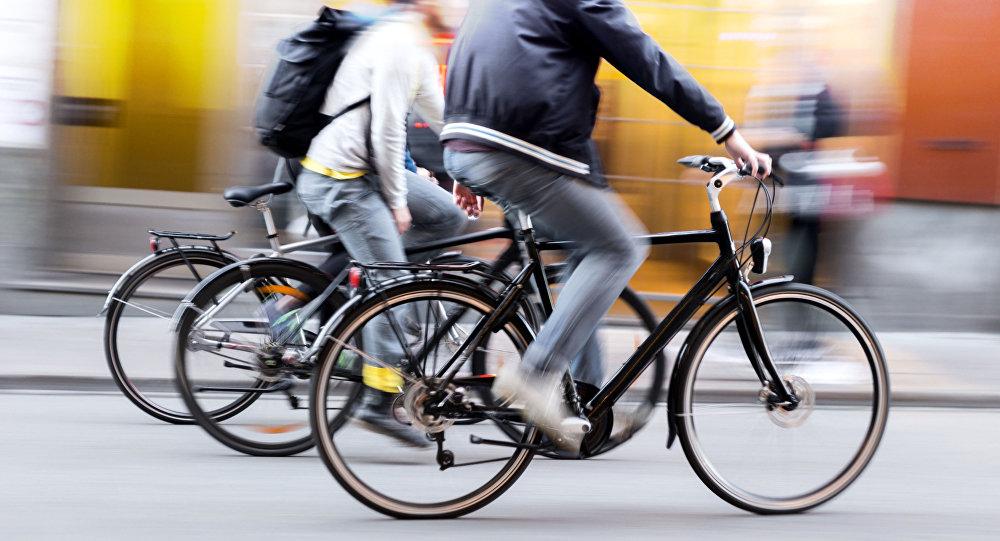 Finlandia zakazała przekraczania granicy z Rosją na rowerze