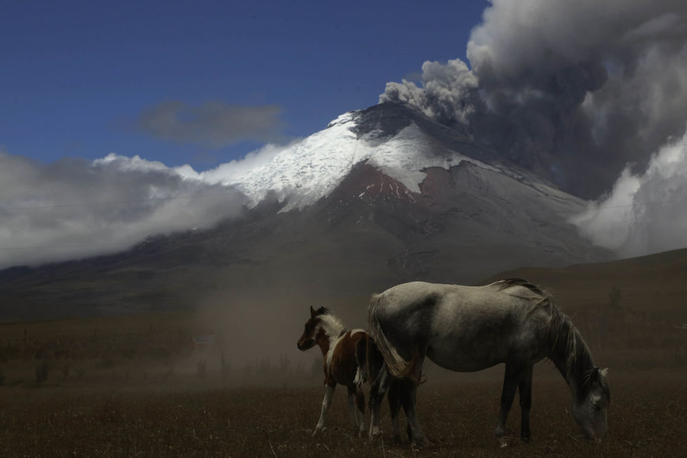 Erupcja wulkanu Cotopaxi w Ekwadorze
