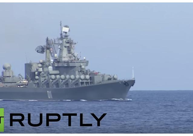 """""""Wycieczka"""" dla dziennikarzy na rosyjski okręt wojenny w Syrii"""