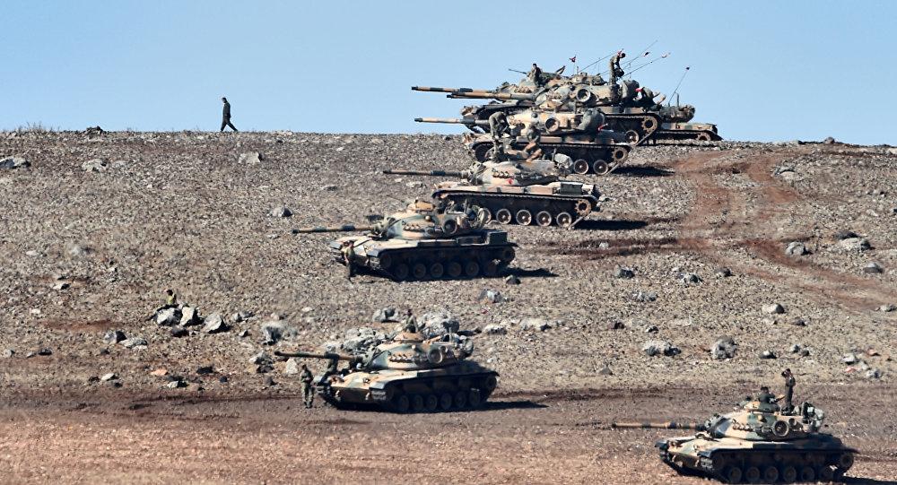 Tureckie czołgi na turecko-syryjskiej granicy
