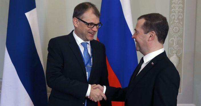 Premier Rosji Dmitrij Miedwiediew i premier Finlandii Juha Sipilä
