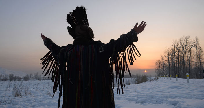 Szamani świętują Szagaa w Tuwie