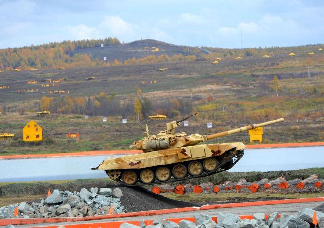 Czołg T-90 na IX Międzynarodowej wystawie broni Russian Expo Arms-2013