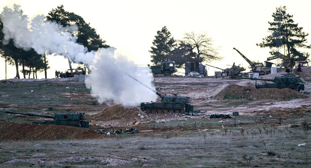 Tureckie czołgi na granicy z Syrią