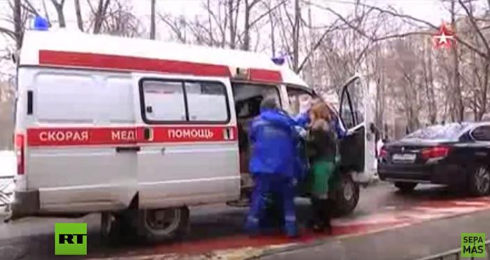 Matkę dziecka, któremu obcięto głowę, przewieziono do szpitala