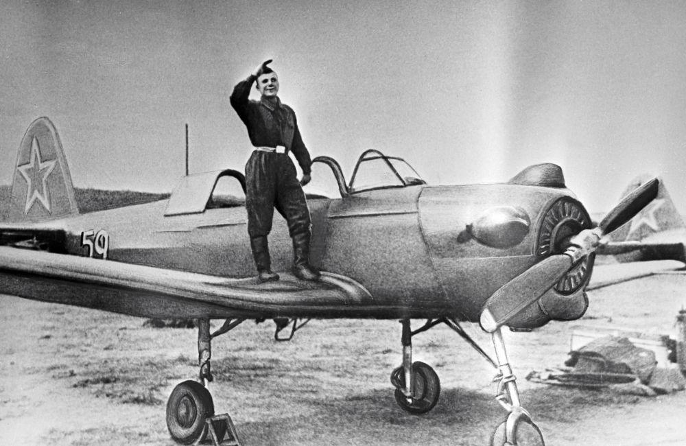 Elew szkoły lotniczej w mieście Orienburg Jurij Gagarin