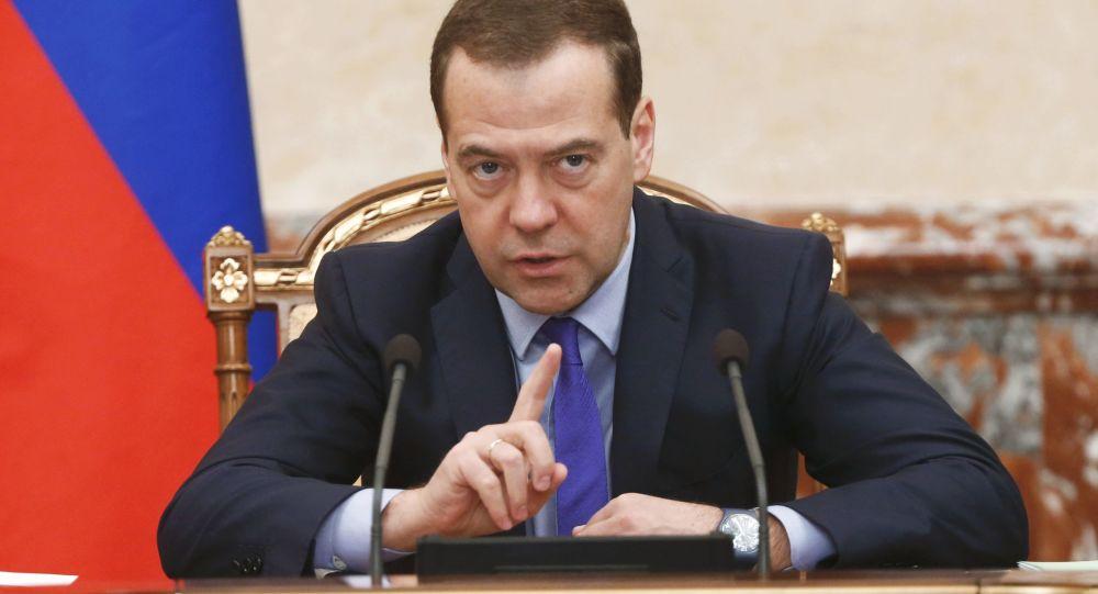 Szef rosyjskiego rządu Dmitrij Miedwiediew