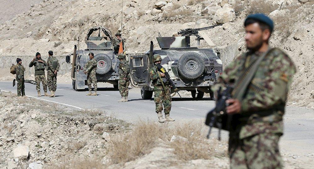 Afgańscy żołnierze na posterunku w prowincji Logar