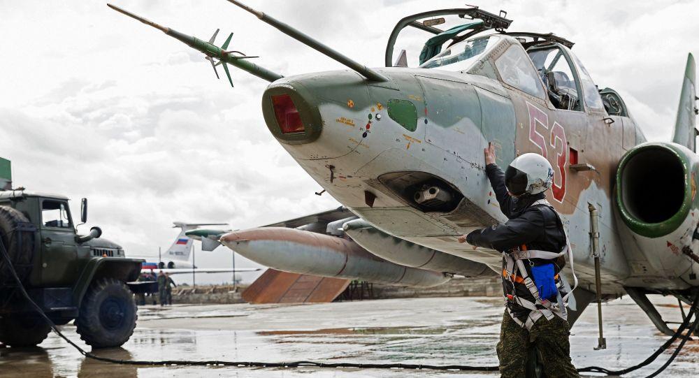 Przygotowanie do wylotu samolotów Sił Powietrzno-Kosmicznych Rosji z bazy lotniczej Hmeymim w Syrii
