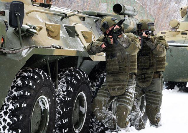 Żołnierze batalionu szturmowego wojsk inżynieryjnych Federacji Rosyjskiej