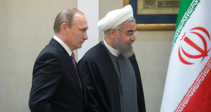 Prezydent Rosji Władimir Putin i prezydent Iranu Hasan Rouhani w Teheranie