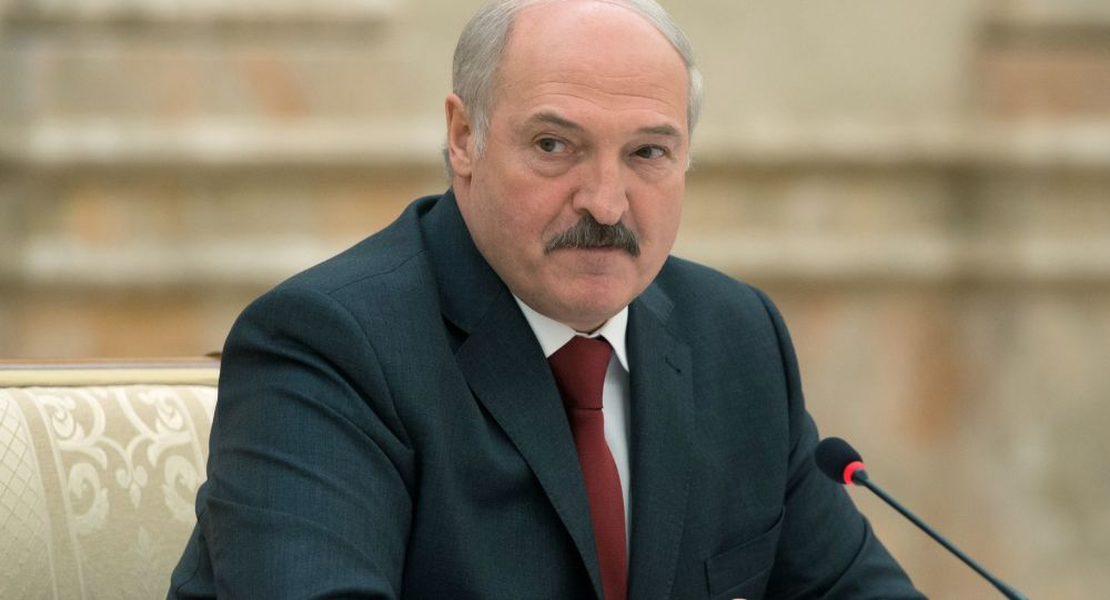 Prezydent Białorusi Aleksander Łukaszenko na posiedzeniu w Mińsku