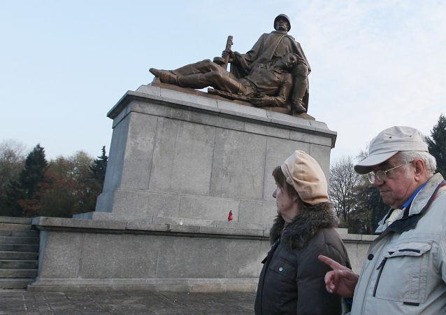 Pomnik żołnierzom Armii Czerwonej w Warszawie