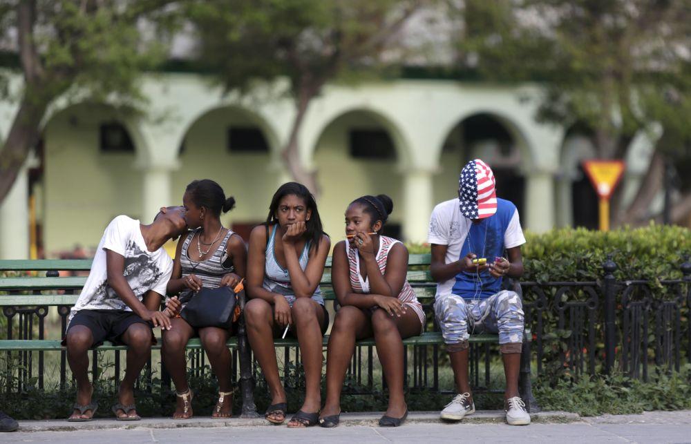 Kubańska młodzież na hawańskim placu