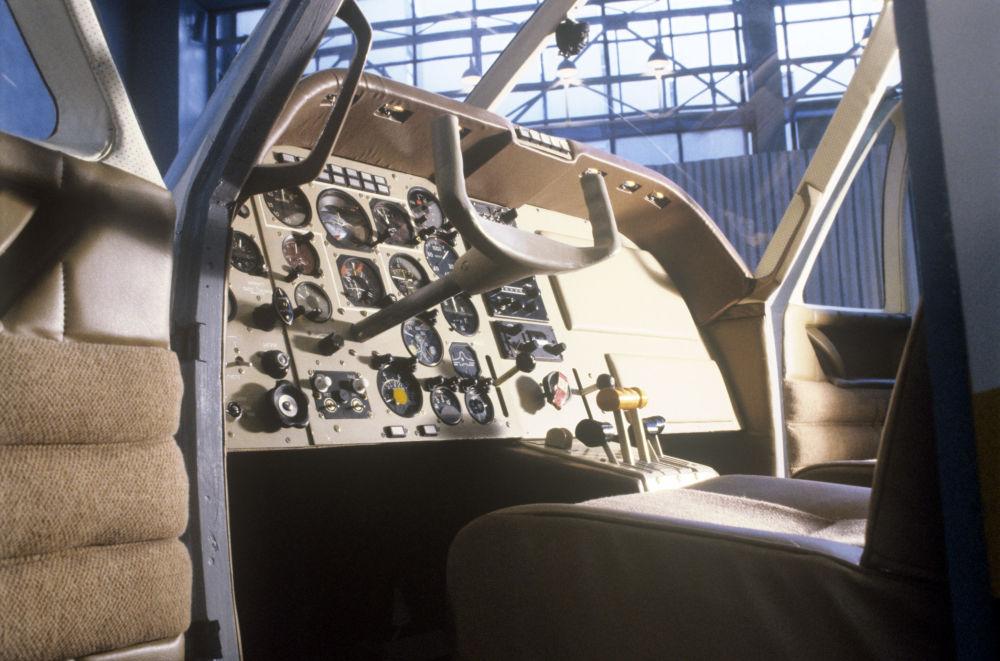 Kabina samolotu Jak-58