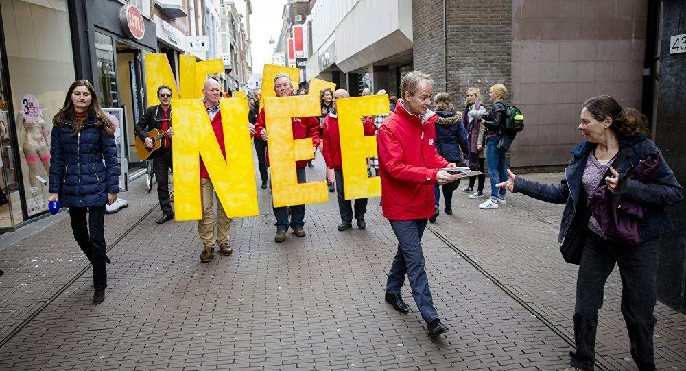 Protesty przeciwko umowie z Ukrainą w Hadze