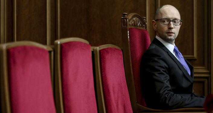 Premier Ukrainy Arsenij Jaceniuk na pierwszym posiedzeniu nowo wybranej Rady Najwyższej Ukrainy w Kijowie