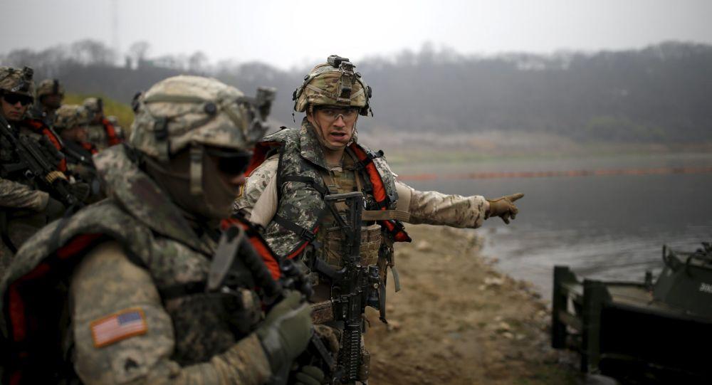 Amerykańscy żołnierze podczas wspólnych ćwiczeń z Koreą Południową w Yeoncheon