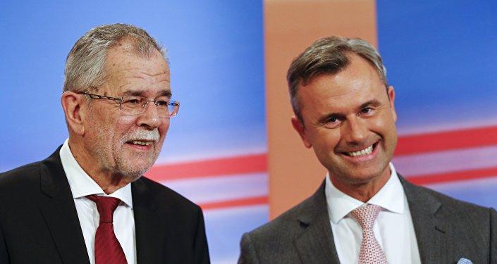 Kandydaci na prezydenta Norbert Hofer (po prawej) i Alexander Van der Bellen (po lewej)