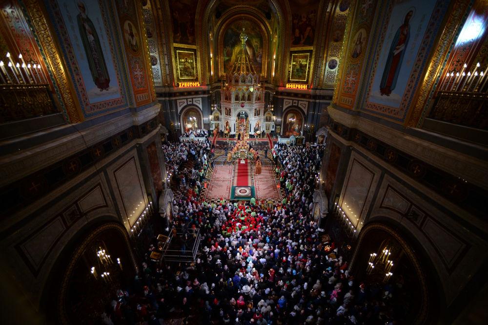 Msza wielkanocna w Cerkwi Chrystusa Zbawiciela w Moskwie
