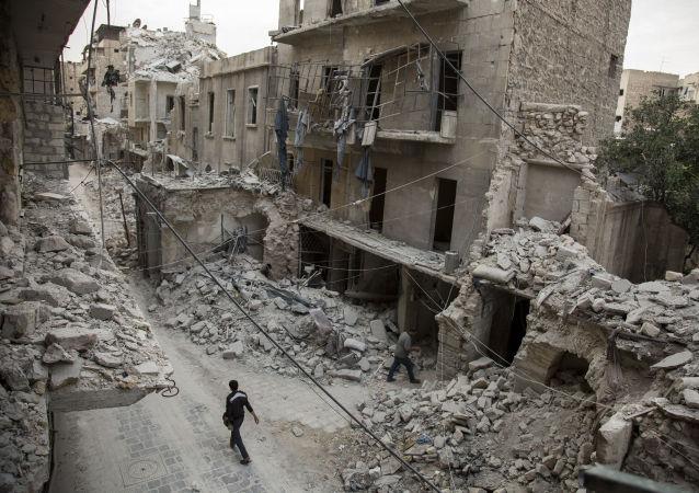 Ruiny na obrzeżach miasta Aleppo w Syrii