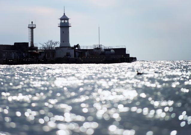 Latarnia w Jałcie na Morzu Czarnym