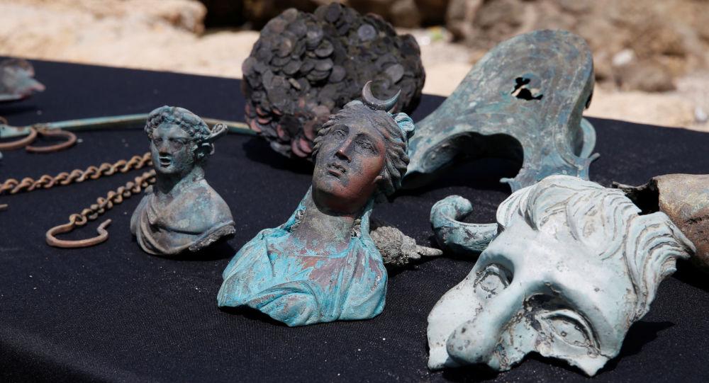 Znalezione w Izraelu starożytne posągi