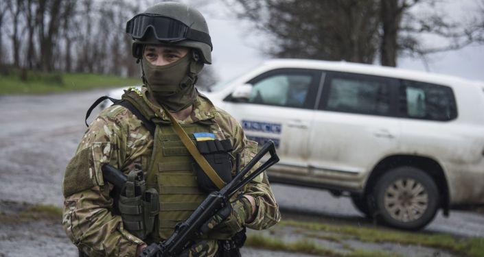 Ukraiński żołnierz, wschodnia Ukraina.