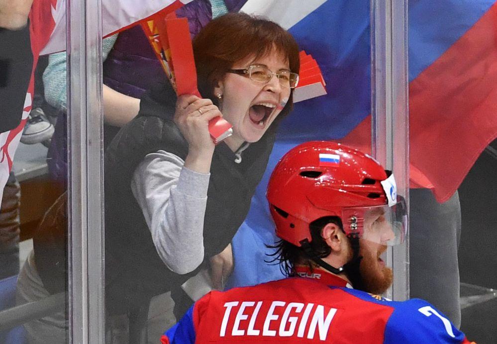 Rosjanie kibice wierzą w swoich hokeistów...