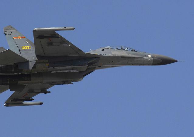 Chiński wielozadaniowy niszczyciel Shenyang J-11