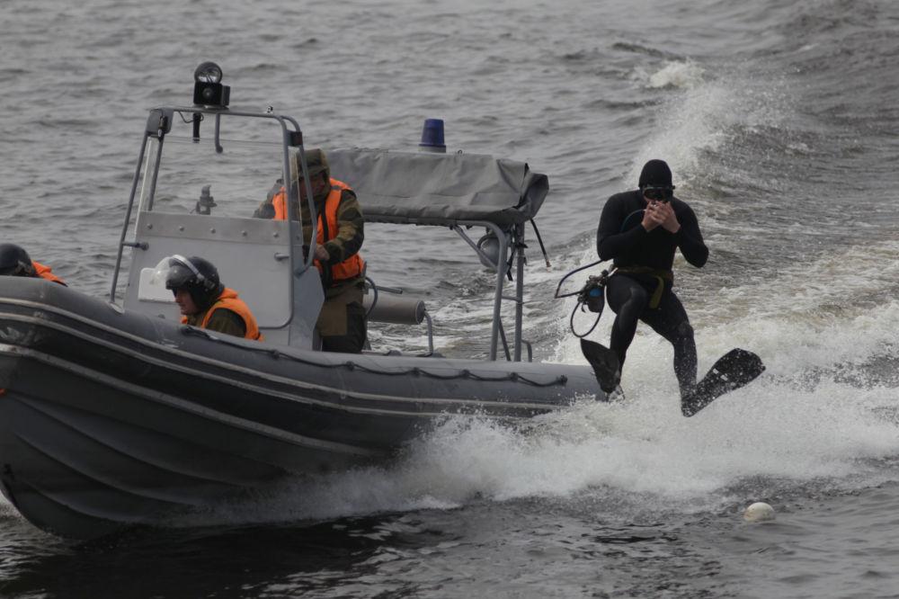 Jednostki specjalne Floty Bałtyckiej podczas obchodów 310. rocznicy Floty Bałtyckiej w Petersburgu