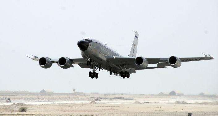 Samolot RC-135