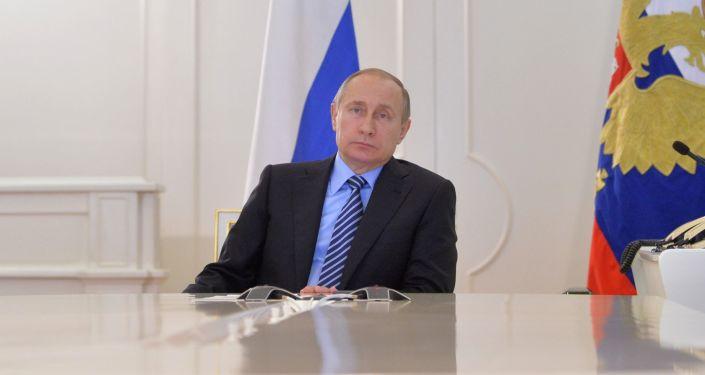 Władimir Putin w czasie wideokonferencji. Kreml.