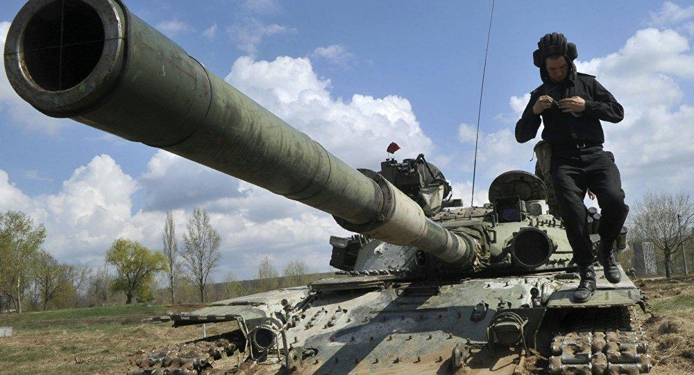 Źródło: koncentracja ukraińskich czołgów na granicy z Krymem