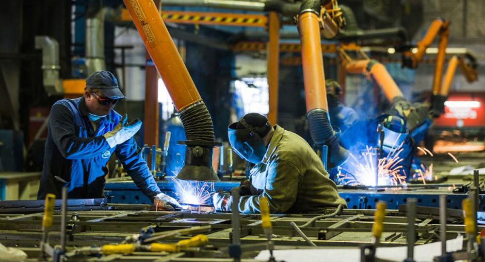 """Produkcja mobilnych systemów w jednej z fabryk korporacji """"Projekt-Technika"""""""
