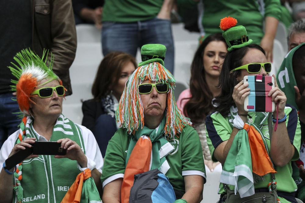 Irlandzcy kibice przed meczem Irlandia - Szwecja podczas Euro-2016