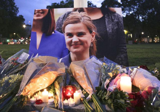 Przedstawiono zarzuty zabójcy Jo Cox