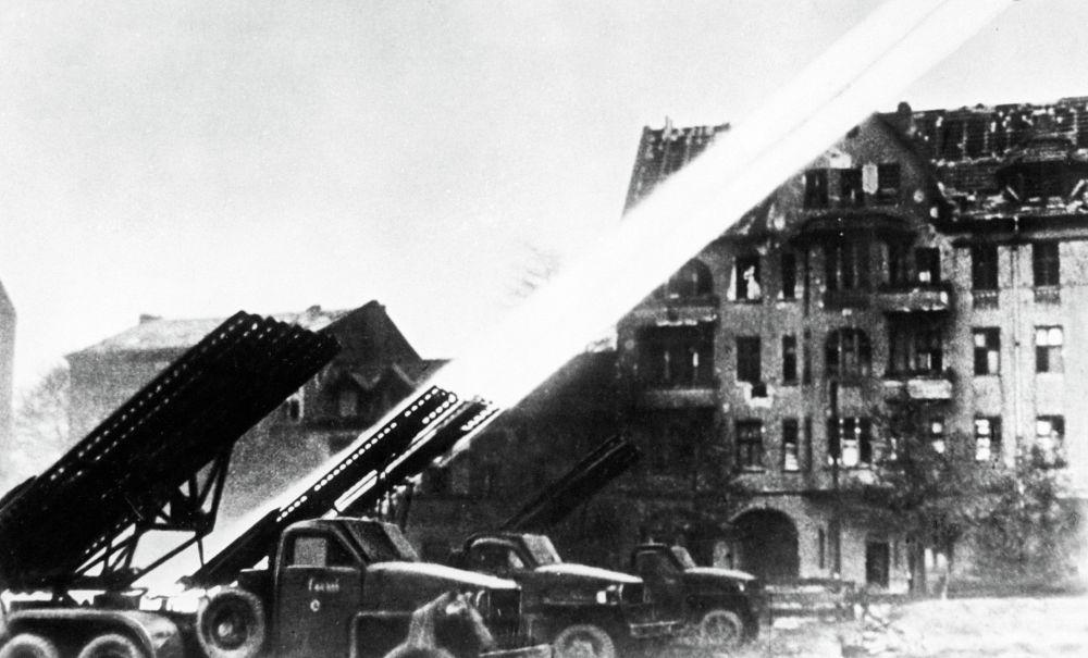 Radziecka wyrzutnia rakiet Katiusza. Maj 1945 r.